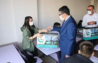 Halfetili gençler Belediyenin desteğiyle hazırlanıyor