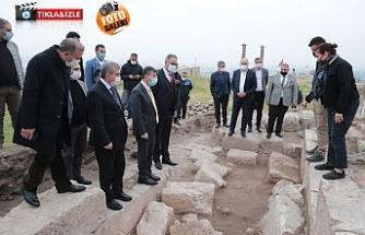 Urfa'nın her yerinden tarih fışkırıyor