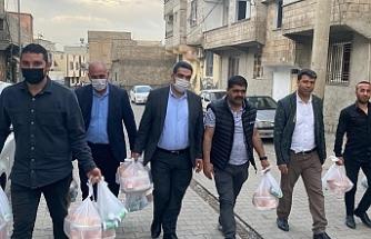 MHP il teşkilatı iftarlık dağıtımını sürdürüyor