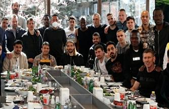Urfa Lokantasına giden Fenerbahçe kafilesinde şok!