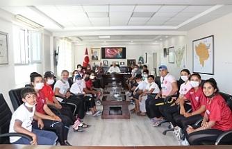 Kanoculardan Başkan Aksoy'a ziyaret