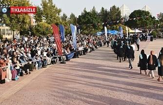 Harran Üniversitesi'nde mezuniyet coşkusu