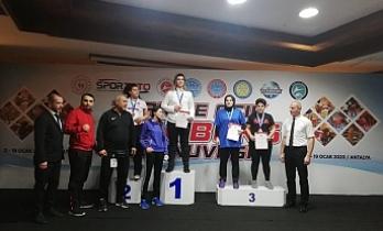 Haliliye Belediyesi sporcuları ödüle doymuyor