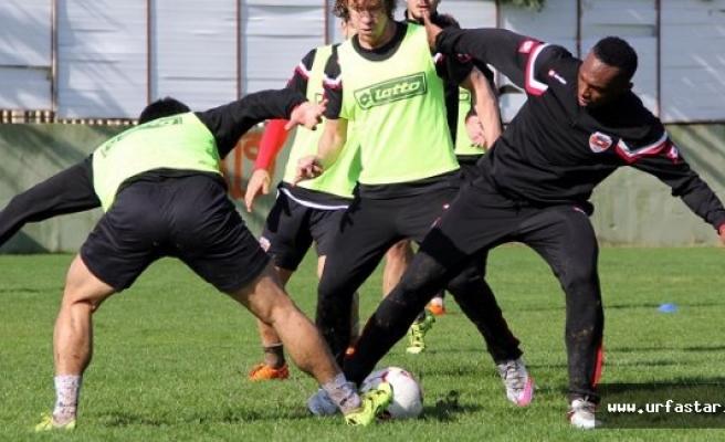 Adanaspor gözünü Urfaspor'a dikti