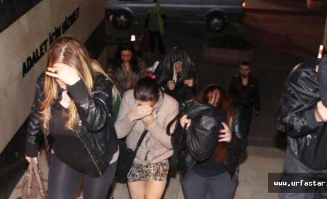 Suriyeli kadınları pazarlayan çete suçüstü yakalandı