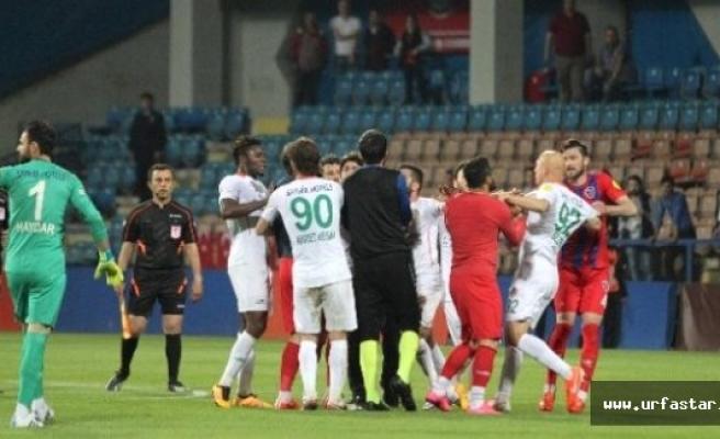 PTT 1. Lig'deki o maçta ortalık karıştı