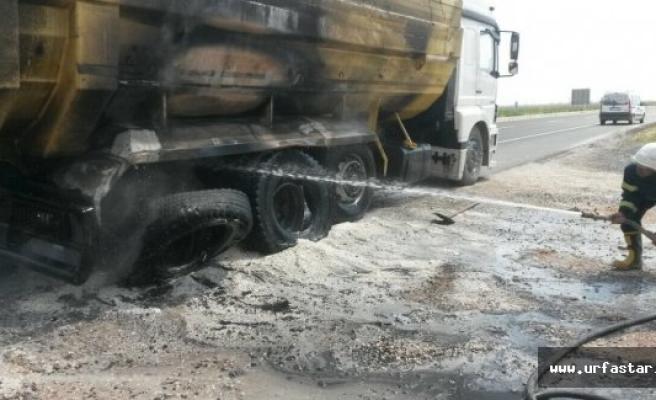 Seyir halindeki kamyon alev aldı
