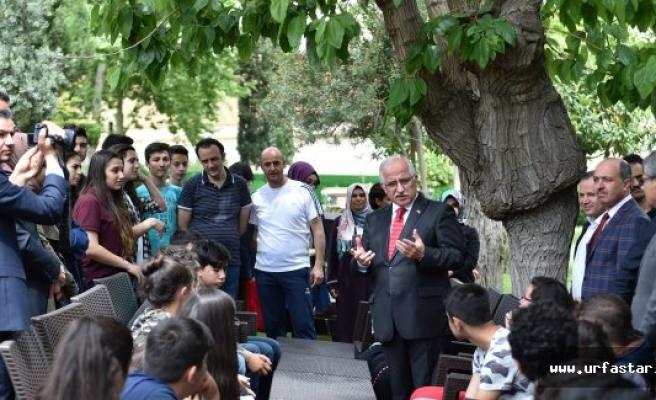 Vali Tuna kardeş okul öğrencilerini ağırladı