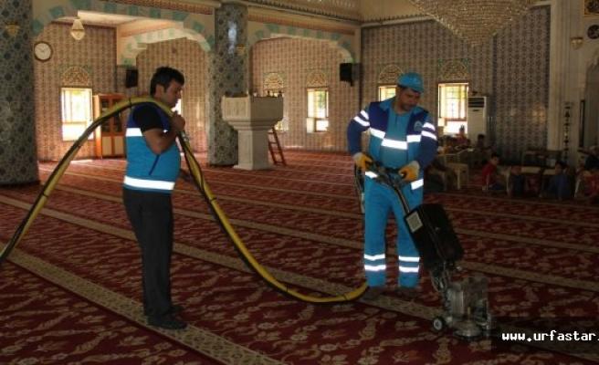 Eyyübiye Belediyesi temizlik çalışmasını sürdürüyor