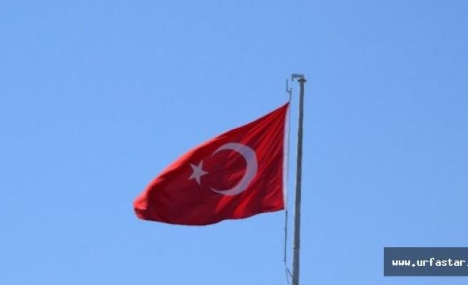 Viranşehir'de dev bayrak dalgalanıyor