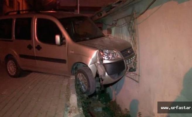 Otomobil eve girdi: 1 yaralı