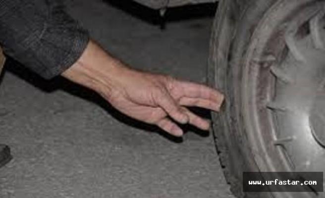 Şanlıurfa'da 3 çocuk, park halindeki 12 otomobilin lastiklerini kesip kaçtılar.