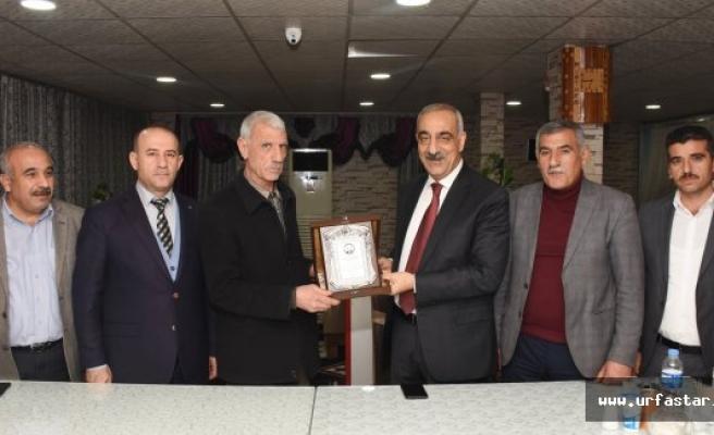 Başkan BAYIK'tan 34 yıllık belediye personeline onur plaketi