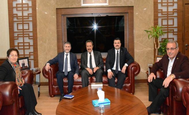 Nebati Urfa Borsası'nı ziyaret etti