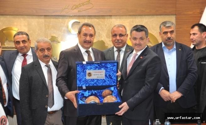 Pakdemir'li Urfa Borsası'nı ziyaret etti