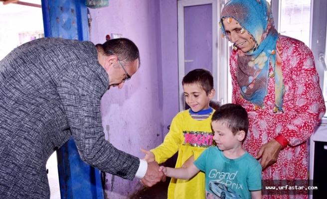 Aksak'tan vatandaşlara çat kapı ziyaret
