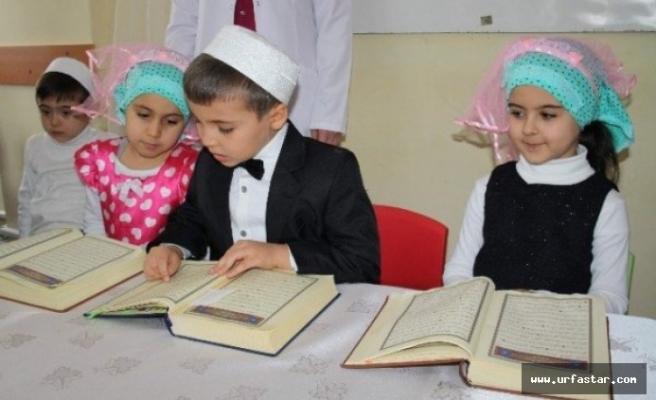 Haydi çocuklar Kur-an-i Kerim okumaya...