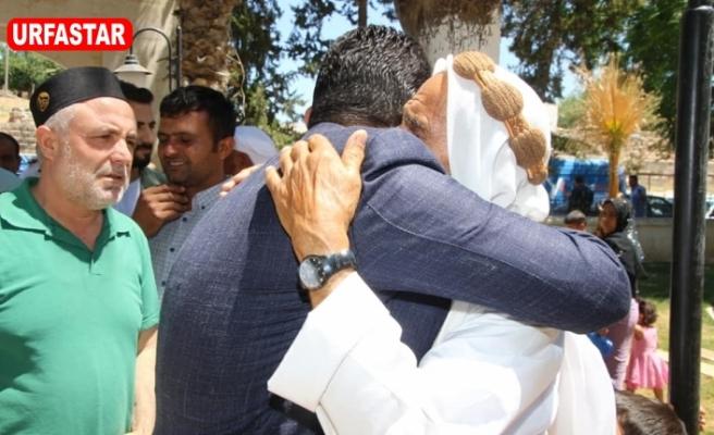 Halkıyla kucaklaşan Başkan...