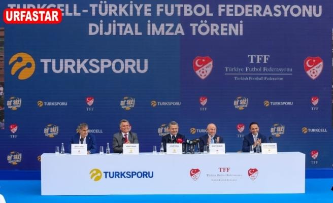 Türkiye'nin Turkcell'i,  Türkiye'nin gururuyla sözleşme yeniledi
