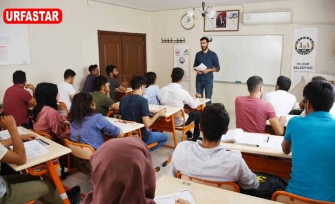 Bilgi Evi öğrencileri geleceğe güvenle hazırlanıyor