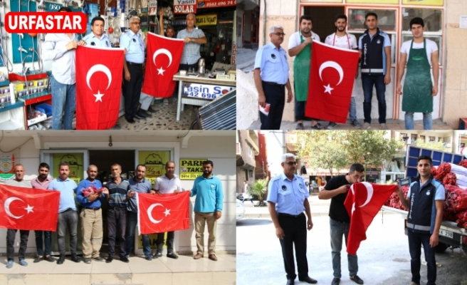 Haliliye'de de Türk Bayrağı dağıtıldı...
