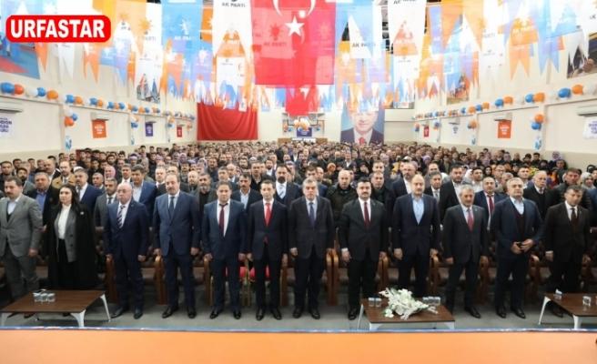 Ak Parti'nin ilk kongresi yapıldı