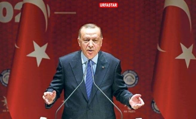 Erdoğan salonu ayağa kaldırdı