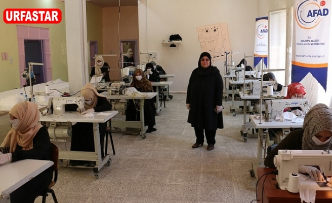 Barış Pınarı bölgesinde maske üretimi..