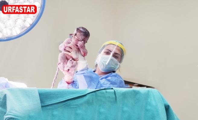 Metrolife'de 8. Kez sezeryanla çocuk sahibi oldu
