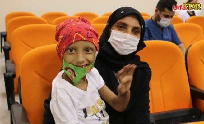 Lösemi hastası çocuklar moral buldu