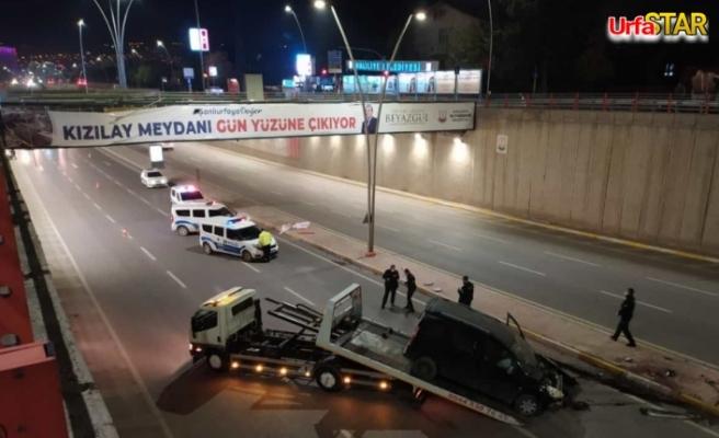 Araç köprüden uçtu...