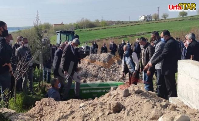 Urfa'da öldürülen baba oğul yanyana defnedildi..
