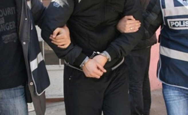 49 polisten 11'i tutuklandı