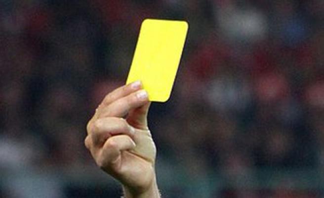 5 futbolcu kart sınırında