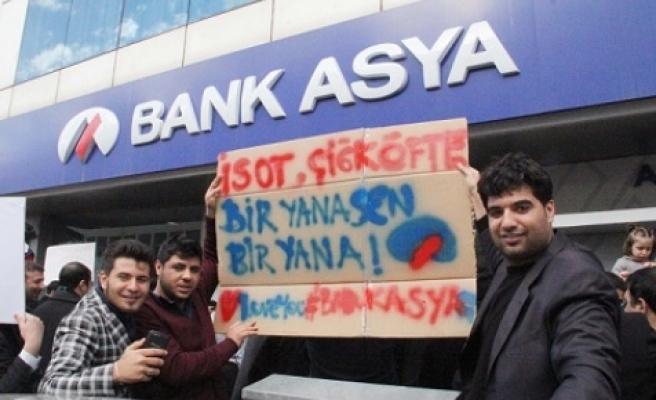 Bank Asya'da toplandılar
