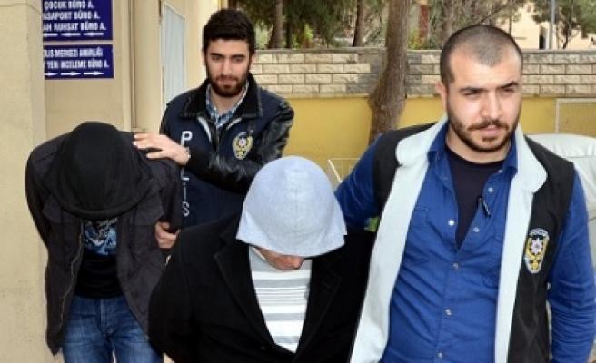 Bıçaklı gaspçılar yakalandı