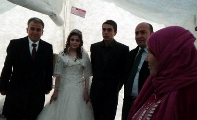 Çadır kentte düğün heyecanı