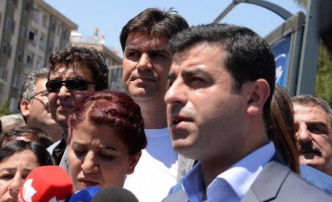 Demirtaş'a 2 koruma polisi verildi