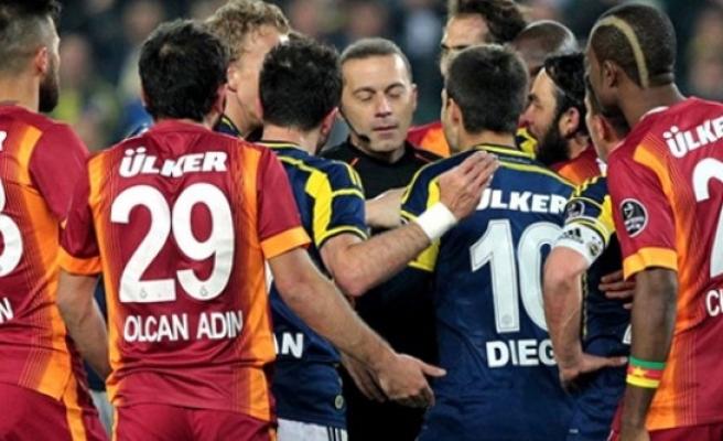 Galatasaray kazandı, Fener bayram etti