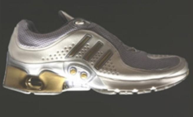 Güvenlikçi, 'Akıllı Ayakkabı' Yaptı