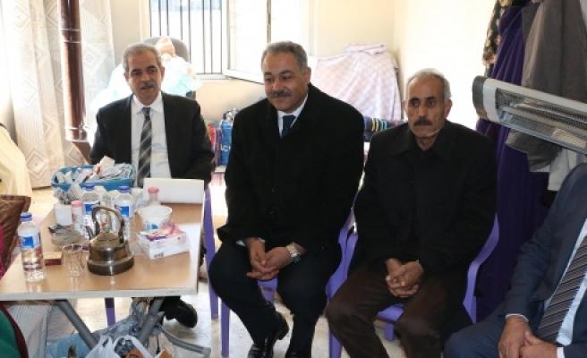 Haliliye Belediyesi'nden Suriyeli Şaire yardım
