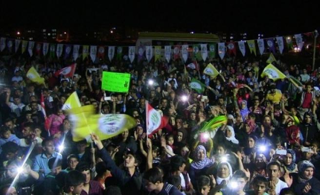 HDP'den miting gibi büro açılışı