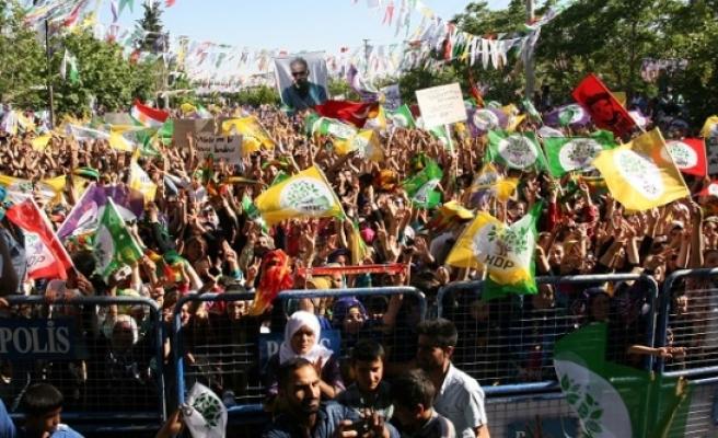 HDP'den Siverek'te gövde gösterisi
