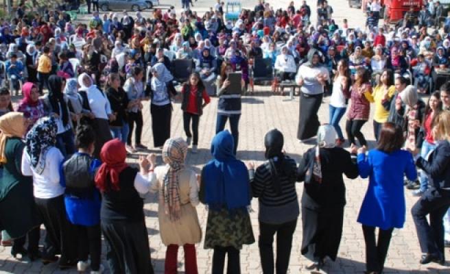 Hilvan'da 8 Mart Dünya Kadınlar Günü Etkinliklerle Kutlandı