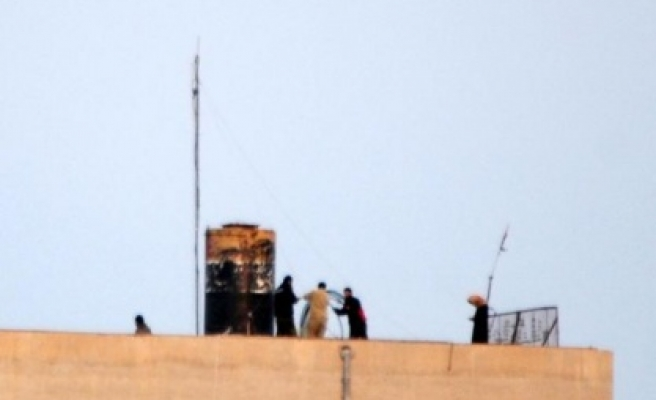 IŞİD militanları sınıra telsiz sistemi kurdu