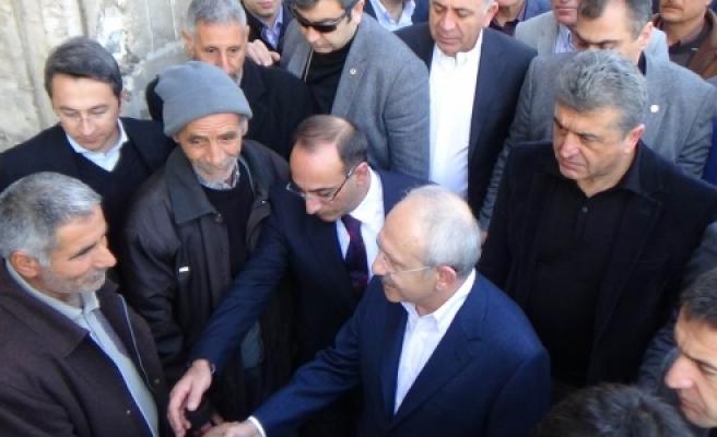 Kılıçdaroğlu işçi ve esnafları ziyaret etti
