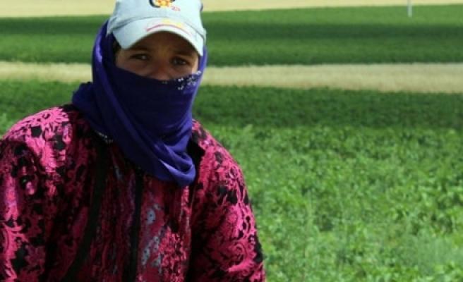 Mevsimlik tarım işçilerinin zorlu orucu!