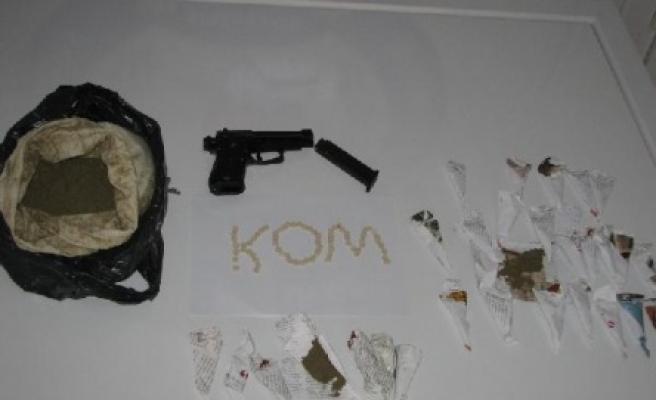 Polislerden uyuşturucuya geçit yok