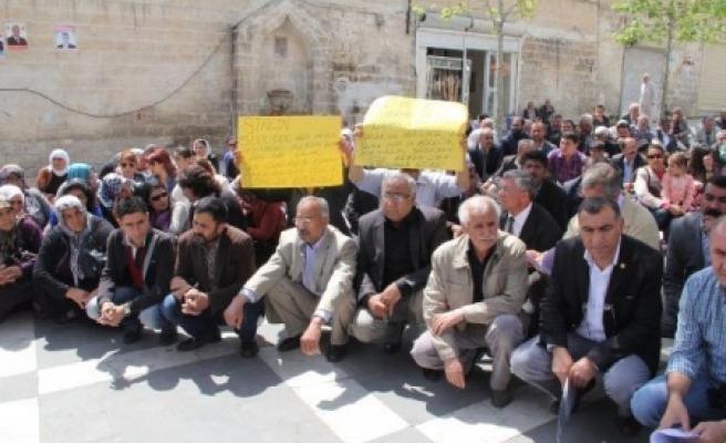 Seçimi protesto ettiler