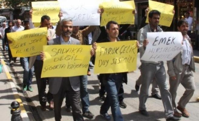Siverek'te sigortasız çalışan inşaat işçileri eylem yaptı